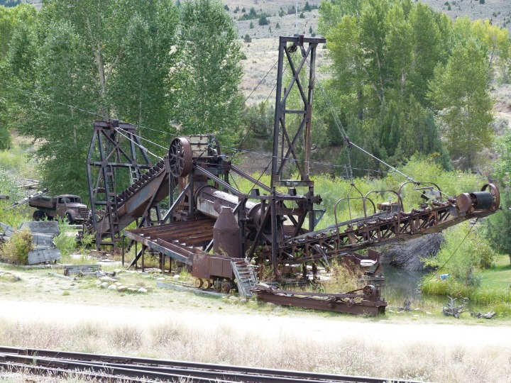We cycled through an old gold rush area with town with mis-leading names such as Virginia City, which now have only 100 residents. This machine turned the valley literally inside out sifting for gold until the whole area looked like the picture below